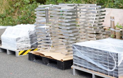 アルミパレット・アルミ加工の様子 写真